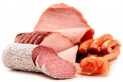 Naklejka Produkty mięsne Łącznie Kiełbasy i wędliny izolowana na białym tle