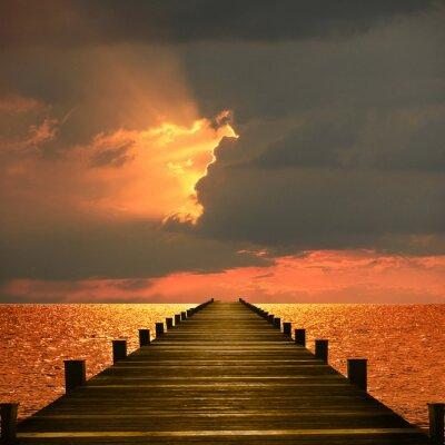 Naklejka Promenada nadmorska, Moody zachód słońca