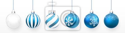 Naklejka Przezroczysta i niebieska piłka Boże Narodzenie z zestawem efektu śniegu. Xmas szklana piłka na białym tle. Wakacyjny szablon dekoracji. Ilustracji wektorowych