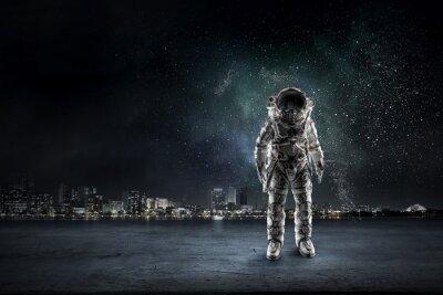 Naklejka Przygoda kosmita. Różne środki przekazu
