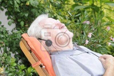 Rentner im Liegestuhl