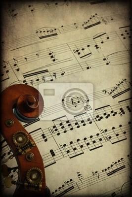 Riccio di contrabbasso su spartito musicale