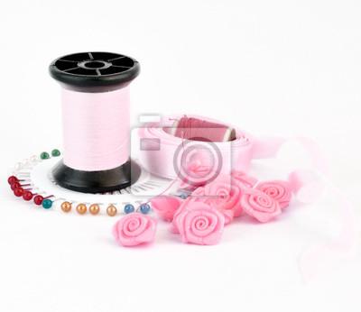 różowe akcesoria do szycia