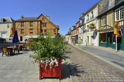 Naklejka Rue de la place à fleurie Don przodu, Normandia