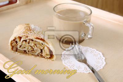 Naklejka Serwowane? Niadanie: plaster? Wie? E pieczone Bo? E Narodzenie domowej roboty ciasto - jab? Ko strudel, ciasto przyozdobionym cukrem i fili? Ank? Kawy mleka z napisem dobry dzień na tle drewniane desk