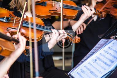 Naklejka skrzypce w orkiestrze