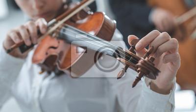 Skrzypek strojenia skrzypiec