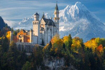 Naklejka Słynny zamek Neuschwanstein w malowniczy górski krajobraz niedaleko Füssen, Bawaria, Niemcy