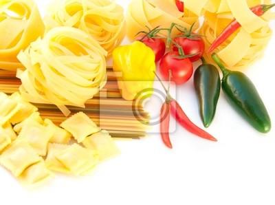 Spaghetti z papryką, bazylią i pomidorami