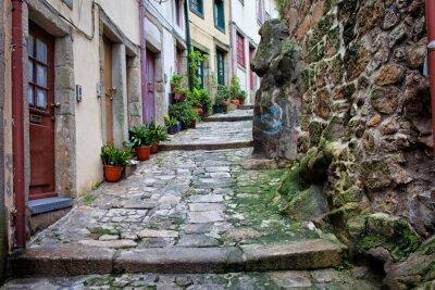 Naklejka Średniowieczne wąska uliczka na Starym Mieście w Porto
