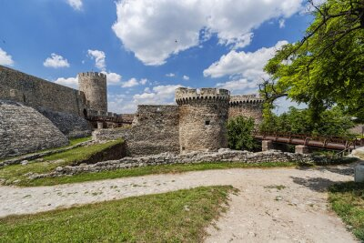 Naklejka Stare ściany twierdzy i charakter