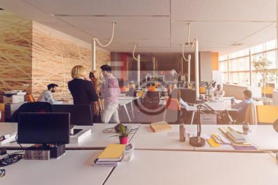 Naklejka Startu grupy ludzi biznesu pracy codziennej pracy w nowoczesnym biurze