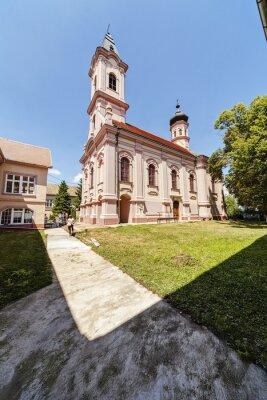 Stary kościół z ogrodem