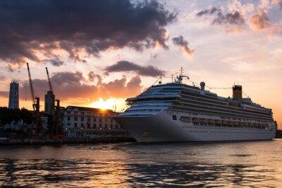 Naklejka Statek w Rio de Janeiro Harbor przed zachodem słońca