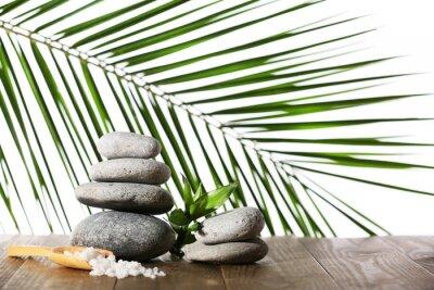 Naklejka Stos kamieni spa z łyżeczką soli morskiej