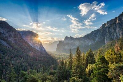 Naklejka Sunrise w punkcie tunelu Zobacz vista w Parku Narodowym Yosemite