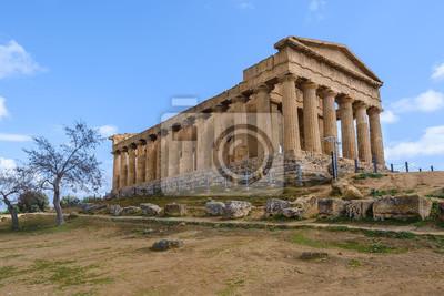 Naklejka Świątynia Zgody w Dolinie Świątyń w pobliżu Agrigento na Sycylii (Włochy)