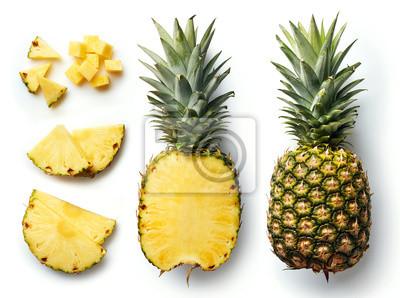 Naklejka Świeży ananas samodzielnie na białym tle