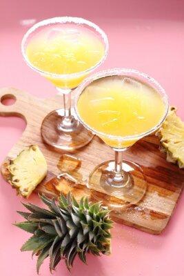 Naklejka Świeży sok ananasowy w szkle.