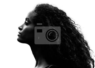 Naklejka Szarości portret pięknej młodej kobiety dumnej