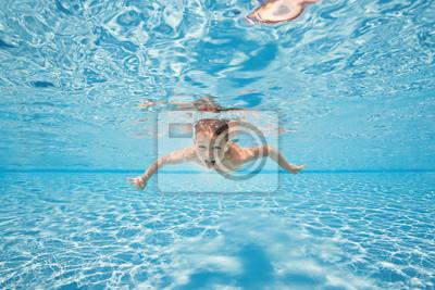 Naklejka szcz liwy m ody ch opak p ywa i nurkowa pod wod dziecko na wymiar ludzie for Alderwood pool public swim times