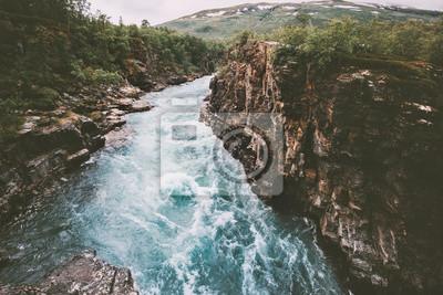 Naklejka Szwecja krajobraz kanion rzeki Abiskojakka podróży widok z lotu ptaka Abisko park narodowy pustkowie natura lato sezon scandinavian scenerii