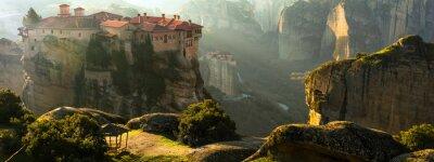 Naklejka Tajemnicze wiszące nad skałami klasztory Meteora, Grecja