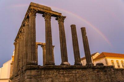 Naklejka Tęcza nad rzymskiej świątyni Evora