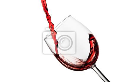 Tilted szkła kryształowego wina z czerwonego wina