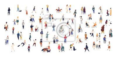Naklejka Tłumy maleńkich ludzi chodzących z dziećmi lub psami, jeżdżących na rowerach, stojących, rozmawiających, biegających. Kreskówki mężczyzna i kobiety wykonuje plenerowe aktywność na miasto ulicie. Płask