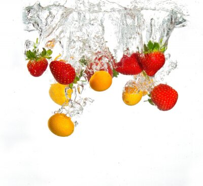 Truskawki i pomarańczy objętych