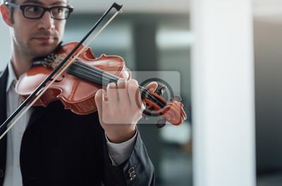 Utalentowana skrzypaczka solo
