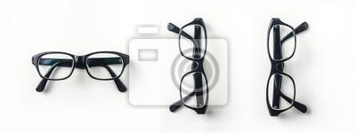 Naklejka Widok z góry zabytkowe okulary na bia? Ym tle biurko dla mockup, zbiór ró? Nych k? T.