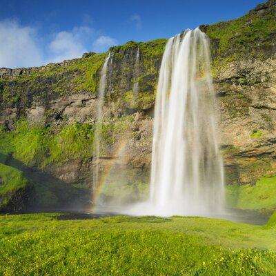 Naklejka Wodospad w Islandii i tęcza