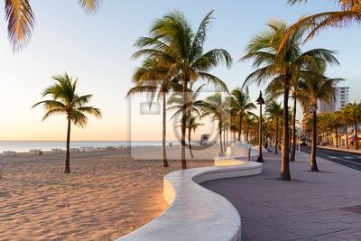 Naklejka Wschód słońca w Fort Lauderdale Beach i promenadzie na Florydzie