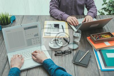 Współpracowników w biurze