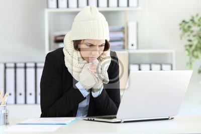 Naklejka Wykonawca pracujący na zimno z awarią grzejnika zimą