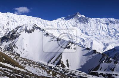 Wysokie pasmo górskie. Naturalny krajobraz
