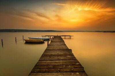 Naklejka Zachód słońca widok z łodzi na wybrzeżu jeziora w pobliżu Warny w Bułgarii