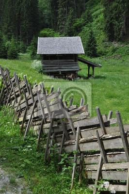 Zaun und Almhütte im Hollersbachtal