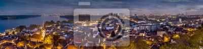 Naklejka Zemun Belgrad panorama w nocy, Dunaj, światła miasta