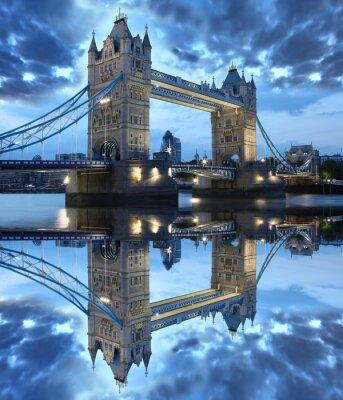 Naklejka Znani Tower Bridge w Londynie