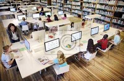 Naklejka Zróżnicowana sesja edukacyjna