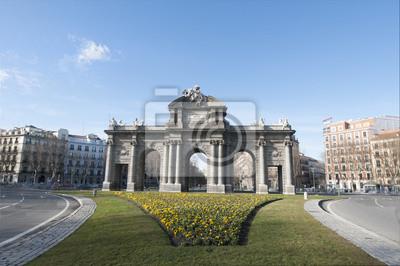 Alcala Gate w Madrycie, w Hiszpanii.