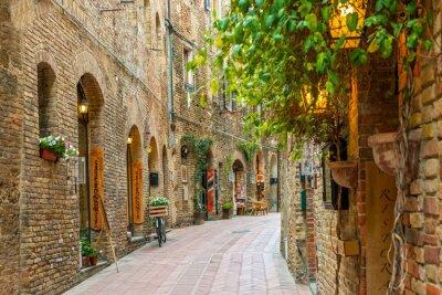 Obraz Aleja w starym mieście San Gimignano Toskanii we Włoszech