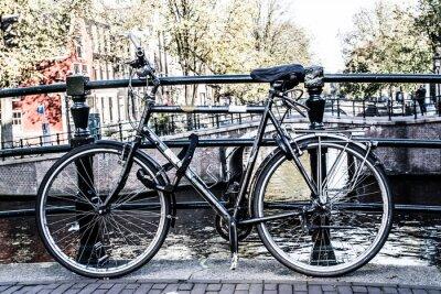 Obraz Amsterdam, Canal and bike. Holland.
