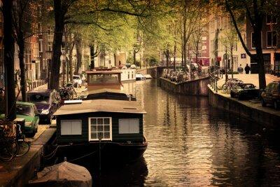 Obraz Amsterdam. Romantyczny kanał, łodzie.