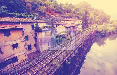 Archiwalne filtrowany obraz kolei w Toskanii.