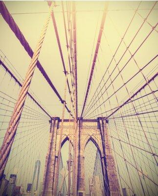 Obraz Archiwalne zdjęcie kontrasty Brooklyn Bridge, NYC, USA.