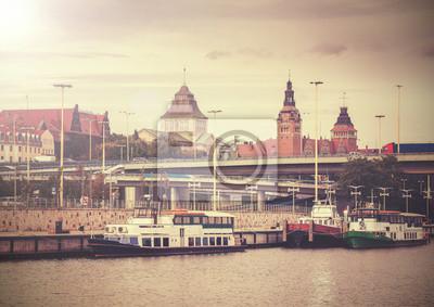 Archiwalne zdjęcie Szczecin (Stettin) miasta nad brzegiem rzeki widzenia Polan